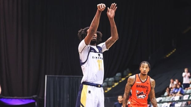 Bandits don't run enough, losing 1st place on the home court while the Stingers improve to 9-1
