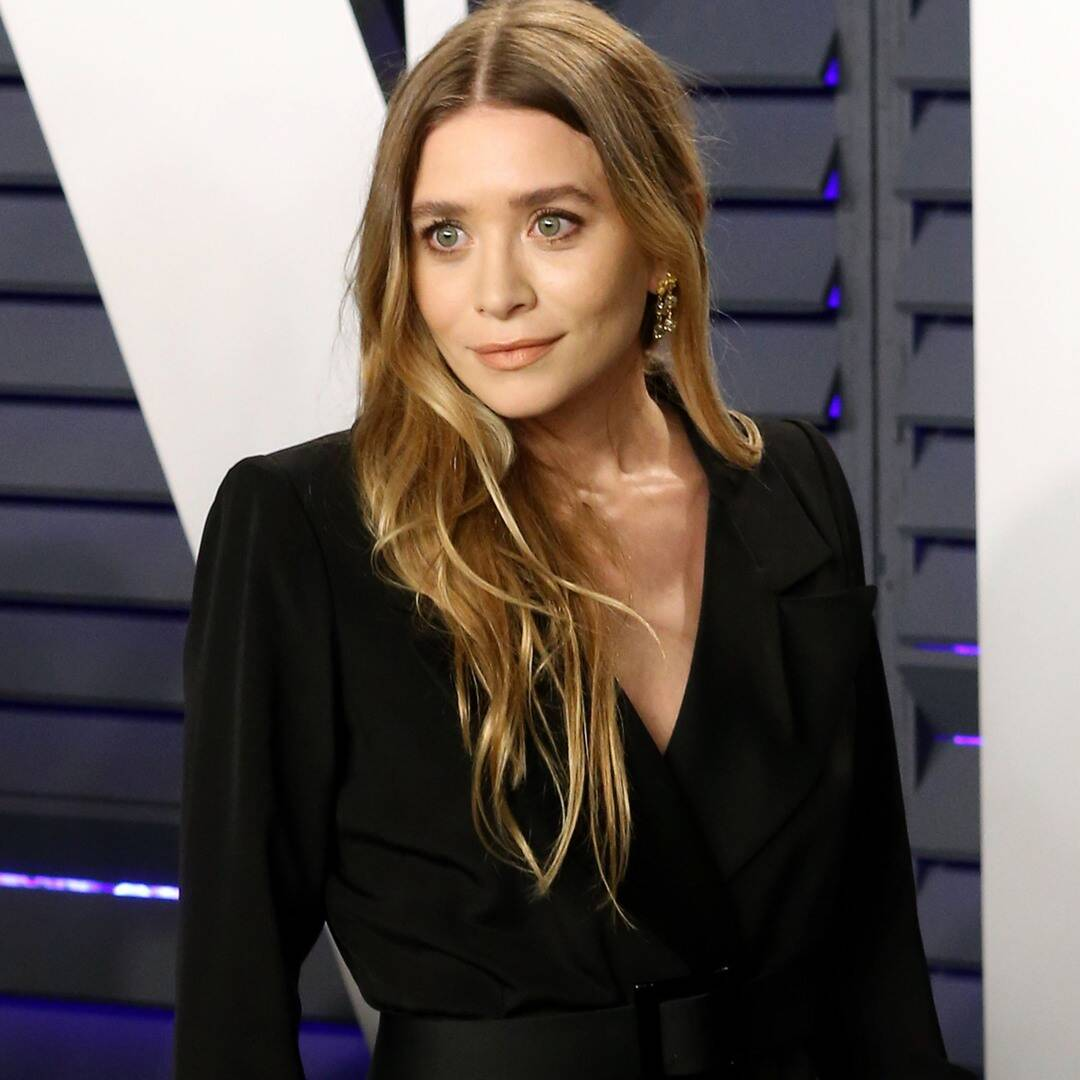 Ashley Olsen and her boyfriend enjoy date night on a rare outing