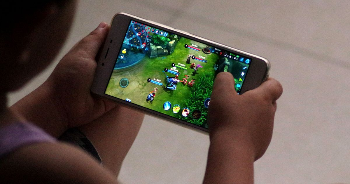 Xi Jinping's Simple Solution to Teenage Video Game Addiction